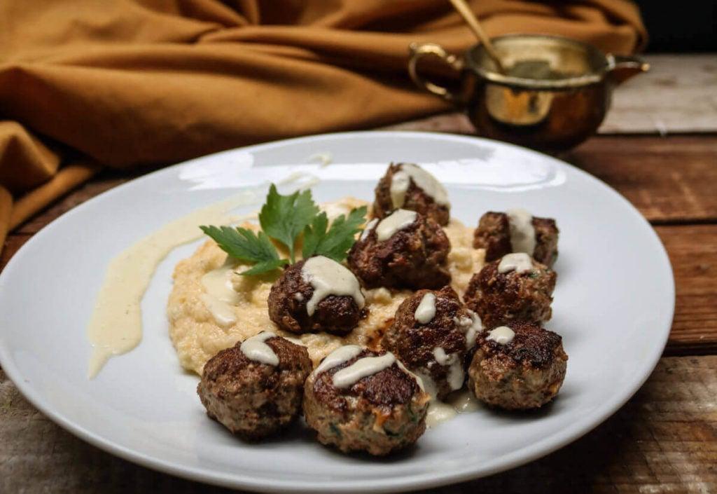 Step 5 – serve the keto meatballs with cauliflower mash warm