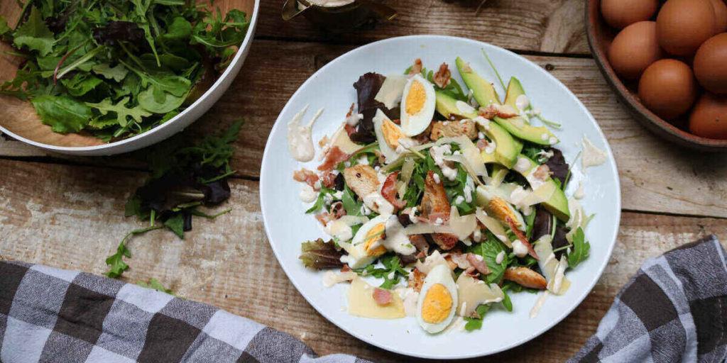 Keto caesar salad with crispy bacon should be on your keto breakfast ideas checklist!